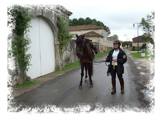 Cavalière venue à cheval!